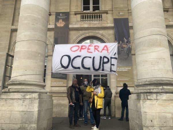 Occupation et manifestation, mais aucune reddition